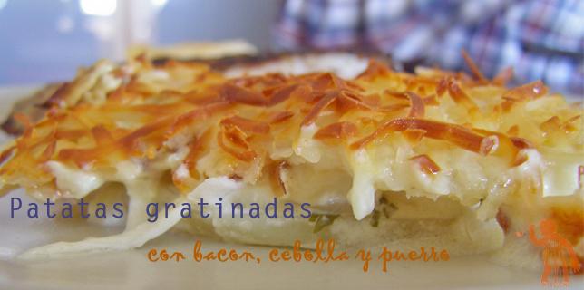 Patatas gratinadas al horno con bacon, cebolla y puerro (slider)