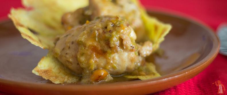 Contramuslos de pollo rellenos de jamón de pato y queso de cabra