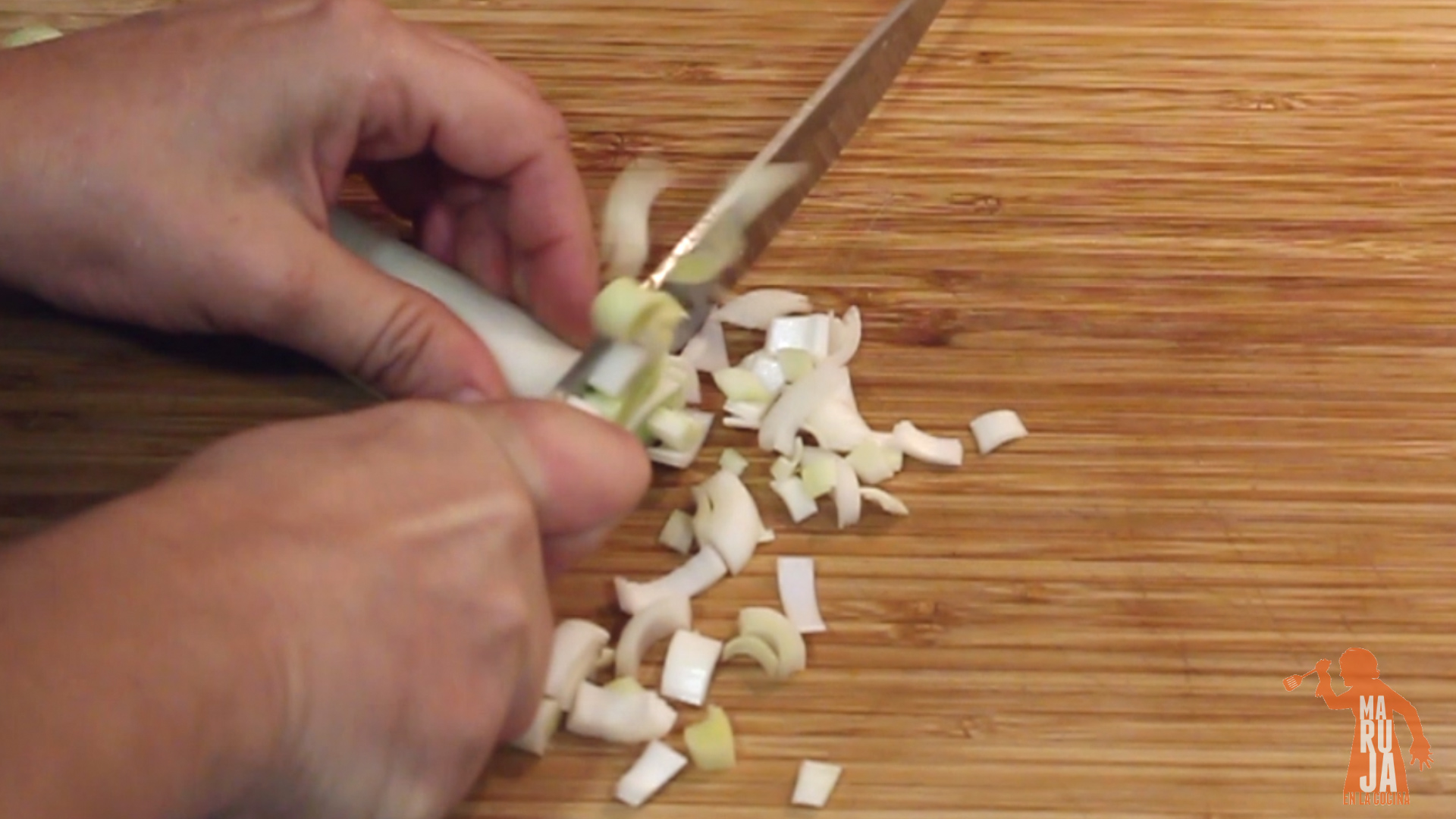 Paso 1 Crema de calabaza: Cortar puerro