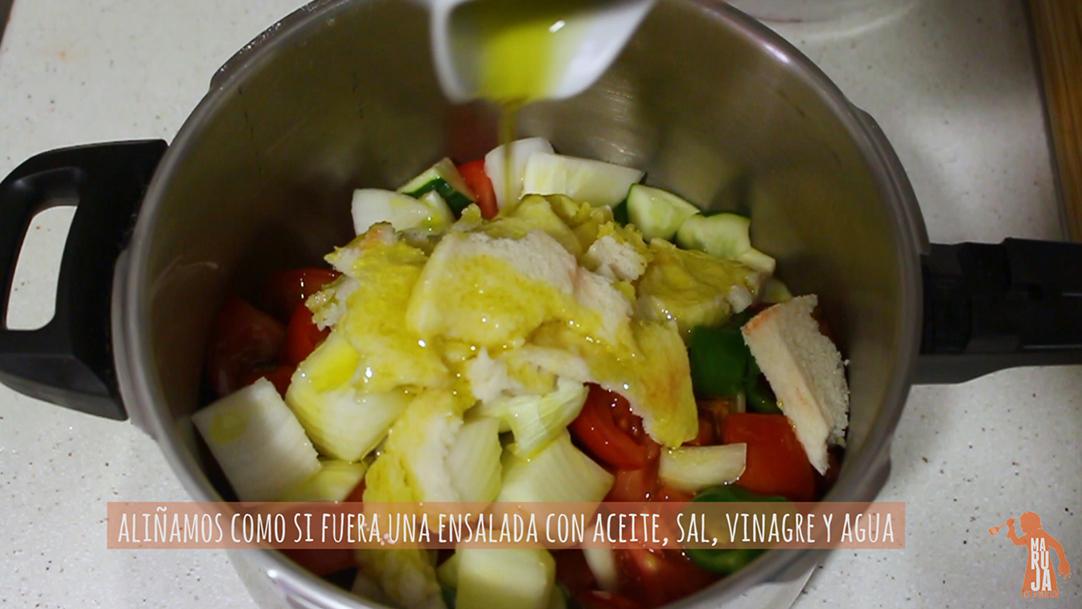 Paso 1 para preparar el gazpacho andaluz