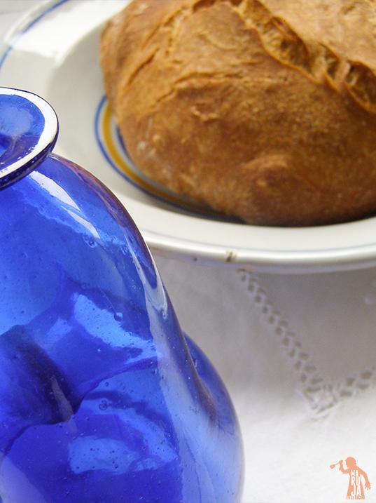 Cómo hacer pan en una cazuela de hierro fundido